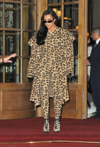 Kim Kardashian Arrives in Paris Rocking Head to Toe Leopard