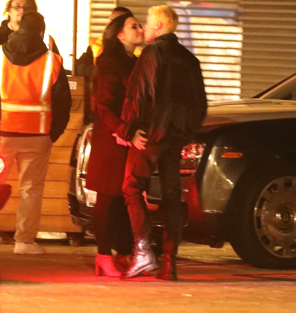 Demi Lovato Henri Levy kissing