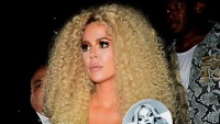 khloe kardashian wearing curly hair