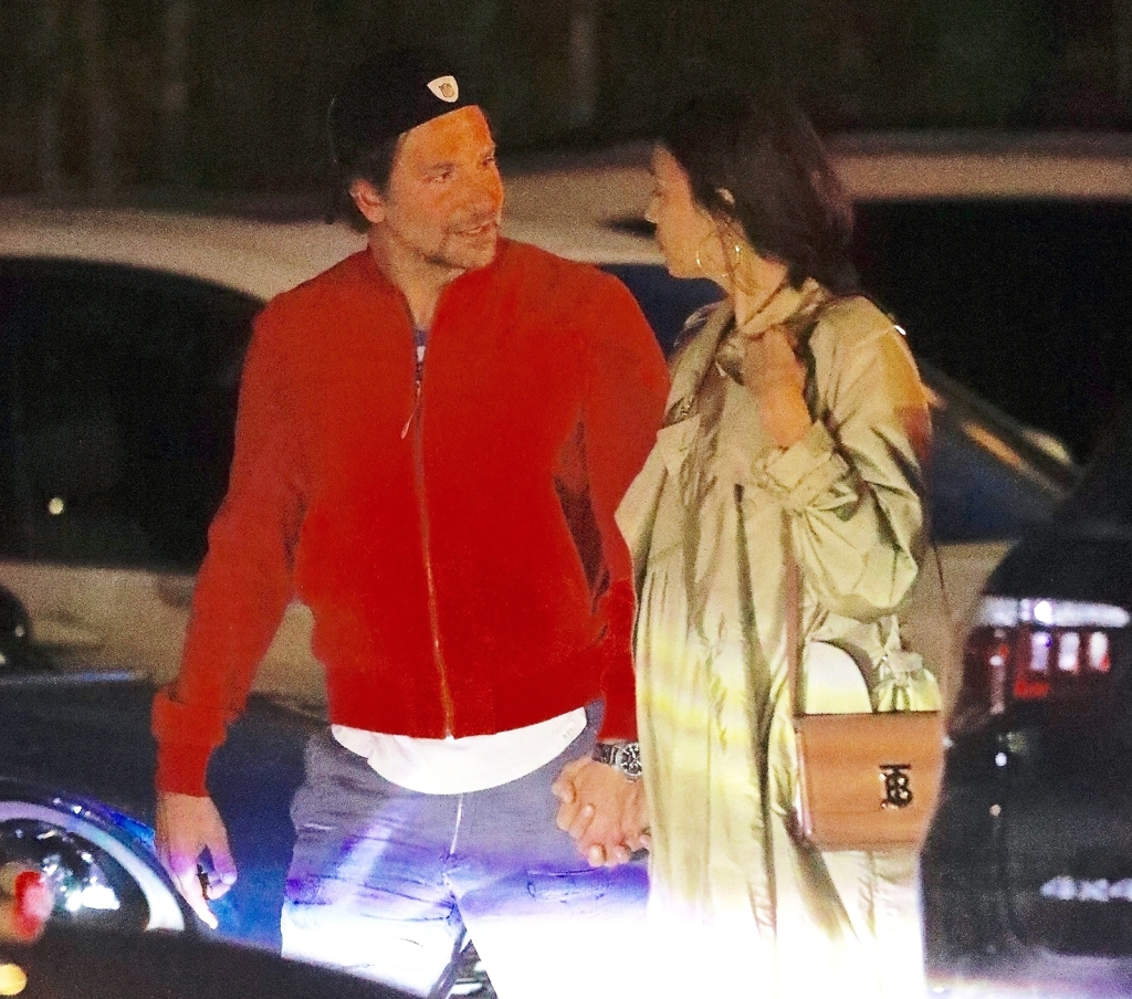 AwwBradley Cooper and Irina Shayk Look So in Love During Dinner Date in Santa Monica