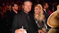 blake and gwen at the acm awards