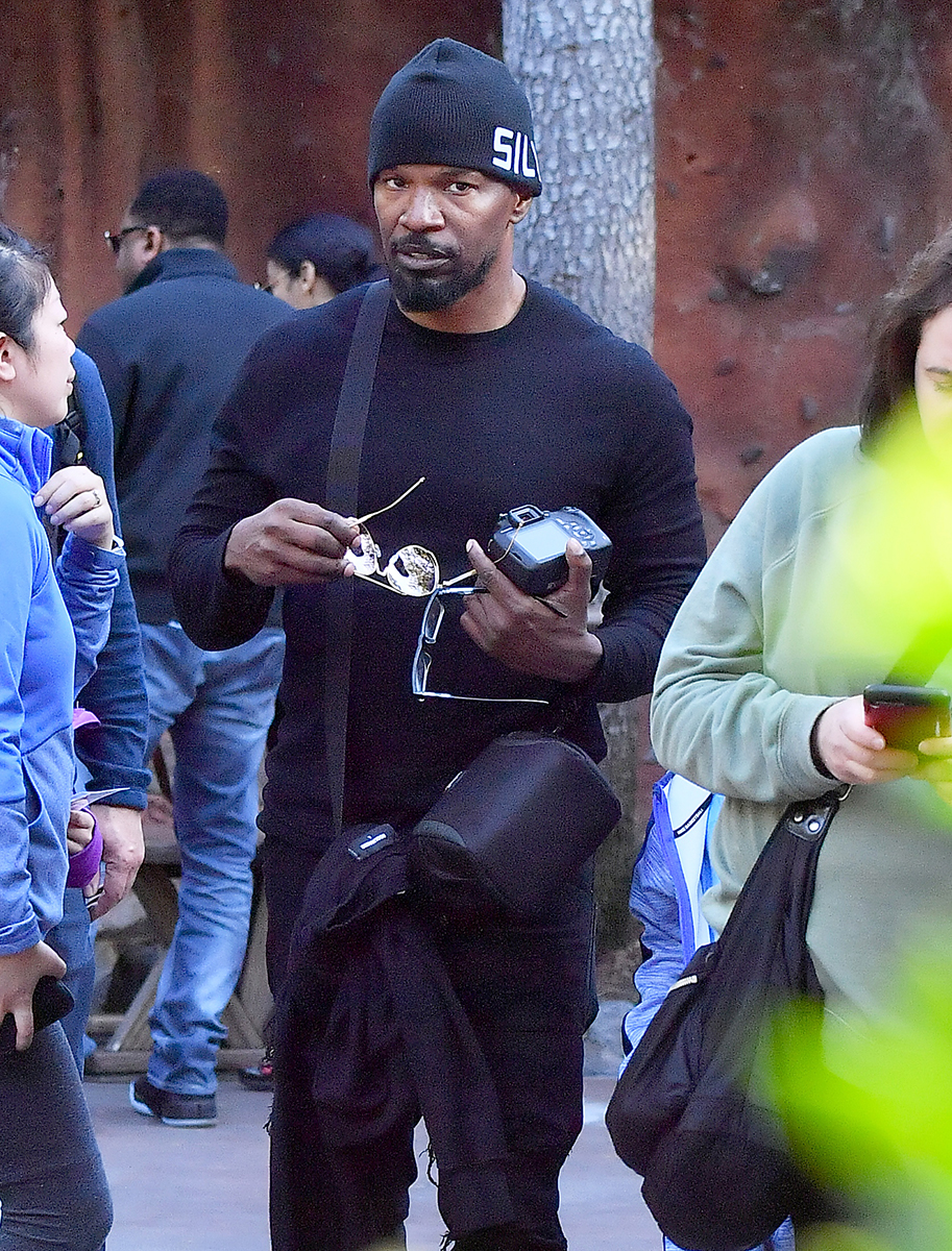 Jamie Foxx Enjoys a Day at Disneyland With His Kids and Baby Mama — See Pics!