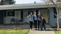 Molly Roloff Buys New Home and Poses with Family