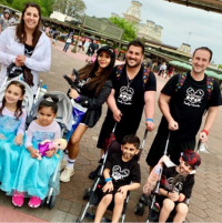 snooki and her family at disney