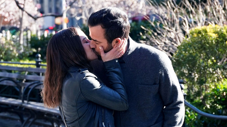 Justin Theroux kisses costar Ilana Glazer on the set of false positive