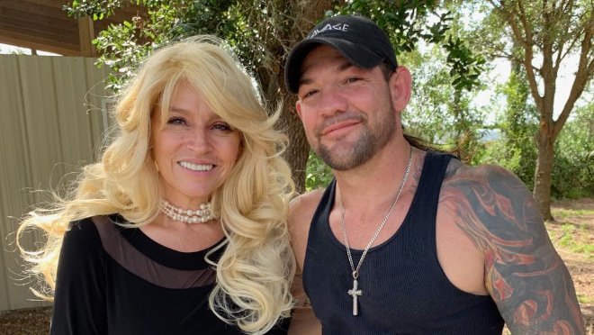 Beth Chapman in Coma: Her Kids and Family Rush To Be by Her Side