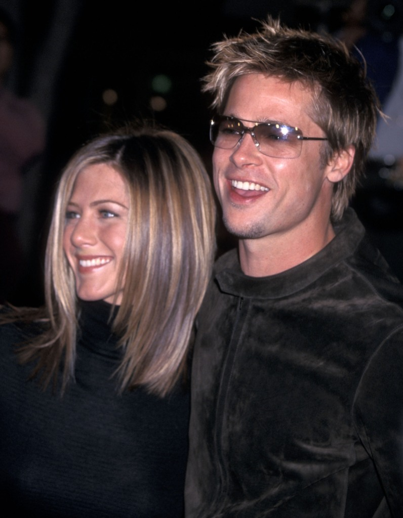 Jen Aniston Wearing Black With Brad Pitt