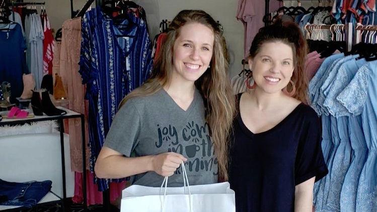 Jill Duggar Pregnant Shopping Bag