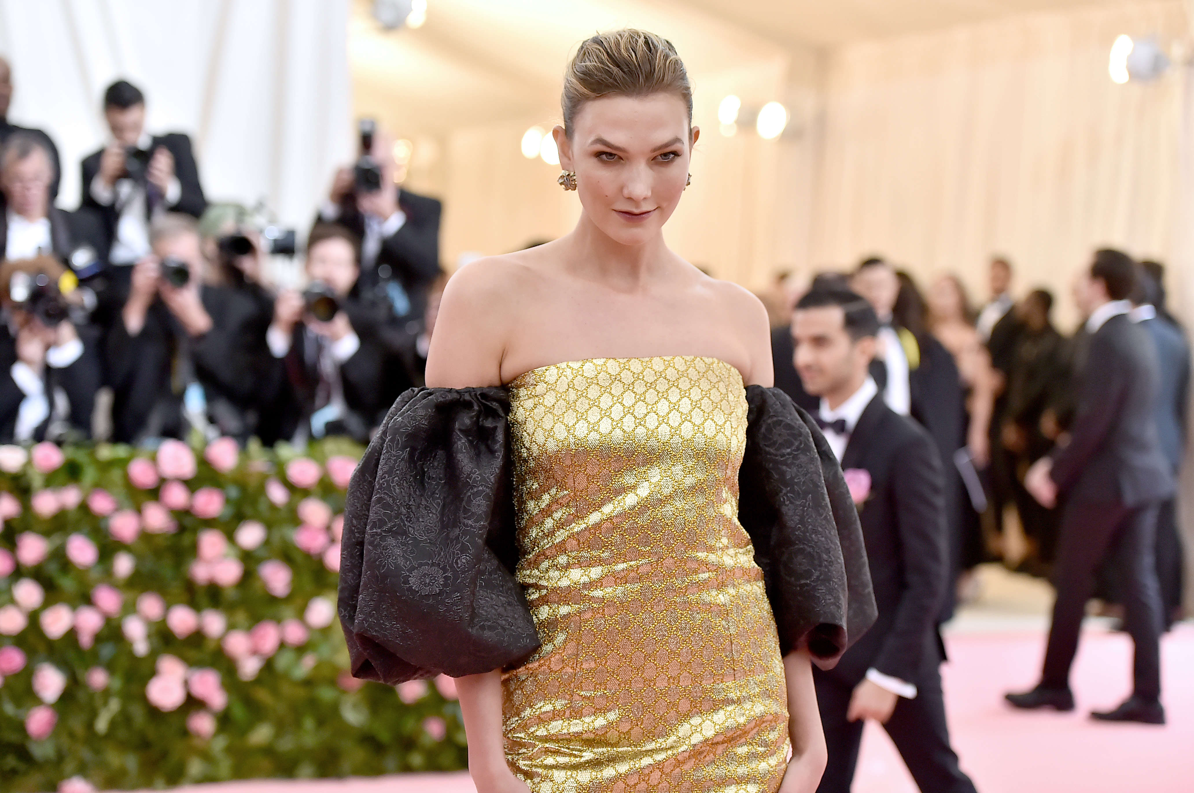 13a20e01c96 Twitter Is Still Dragging Karlie Kloss' Red Carpet Look: 'This Is the Met  Gala, Not a McDonald's Drive-Thru'