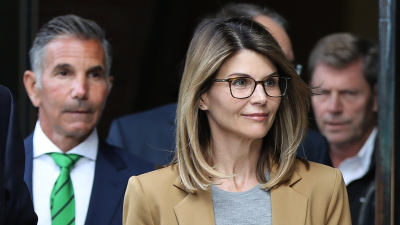 Lori Loughlin Thinks She's 'Not Going to Serve Jail Time' for College Admissions Scandal