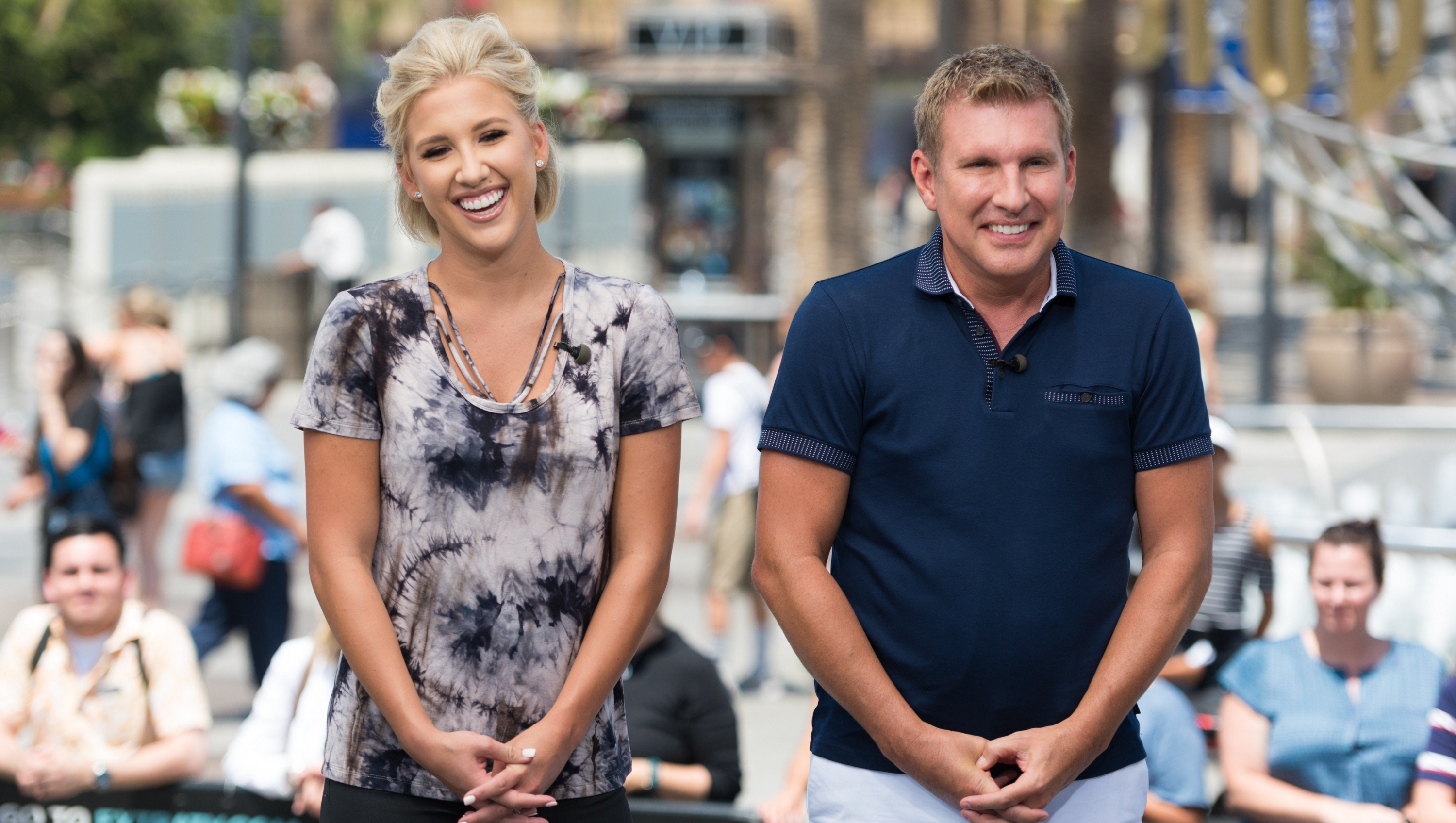 "Dean Unglert, Todd And Savannah Chrisley Visit ""Extra"""