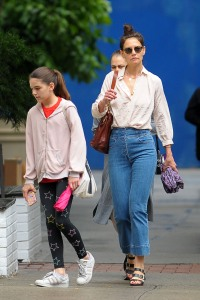 Katie Holmes Wearing Sunglasses and Jeans With Suri Cruise