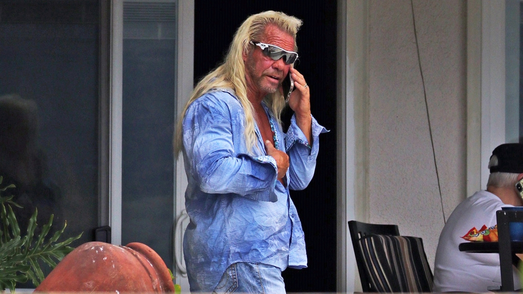 Dog the Bounty Hunter seen first time passing wife