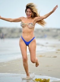 Farrah-Abraham-Skimpy-Sequin-Bikini-at-The-Beach