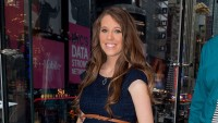 Jill Duggar Wearing Pants And Heels