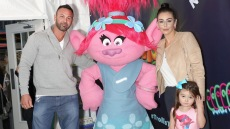 JWoww With Estranged Husband Roger Mathews Wearing a Sweatshirt With Jeans with Meilani