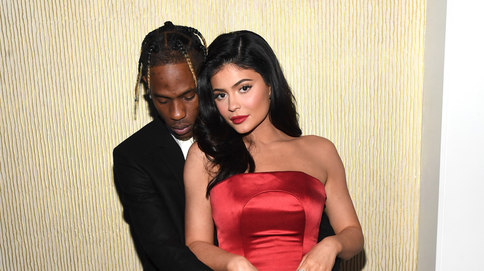 06b7b16dc59d Travis Scott Gives a Shout-Out to His 'Wifey' Kylie Jenner During NYC  Concert Amid Cheating Allegations