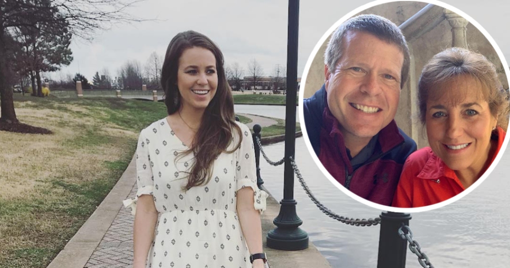 Photo of Michelle and Jim Bob Duggar on top of Photo of Jana Duggar