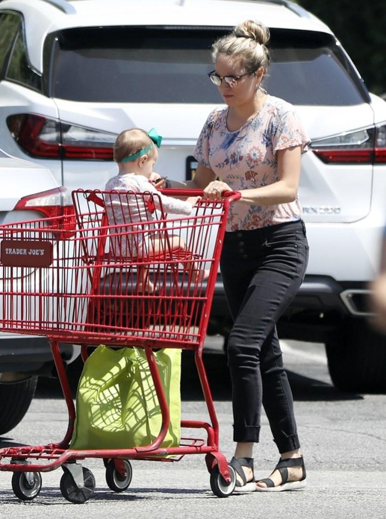 Jinger Duggar Vuolo Felicity Shopping