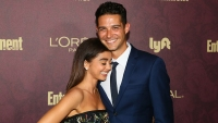 Sarah-Hyland-Hugs-Wells-Adams-on-Red-Carpet