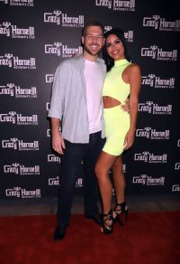 90 day fiance star larissa dos santos lima poses with boyfriend eric nichols on the crazy horse 3 red carpet