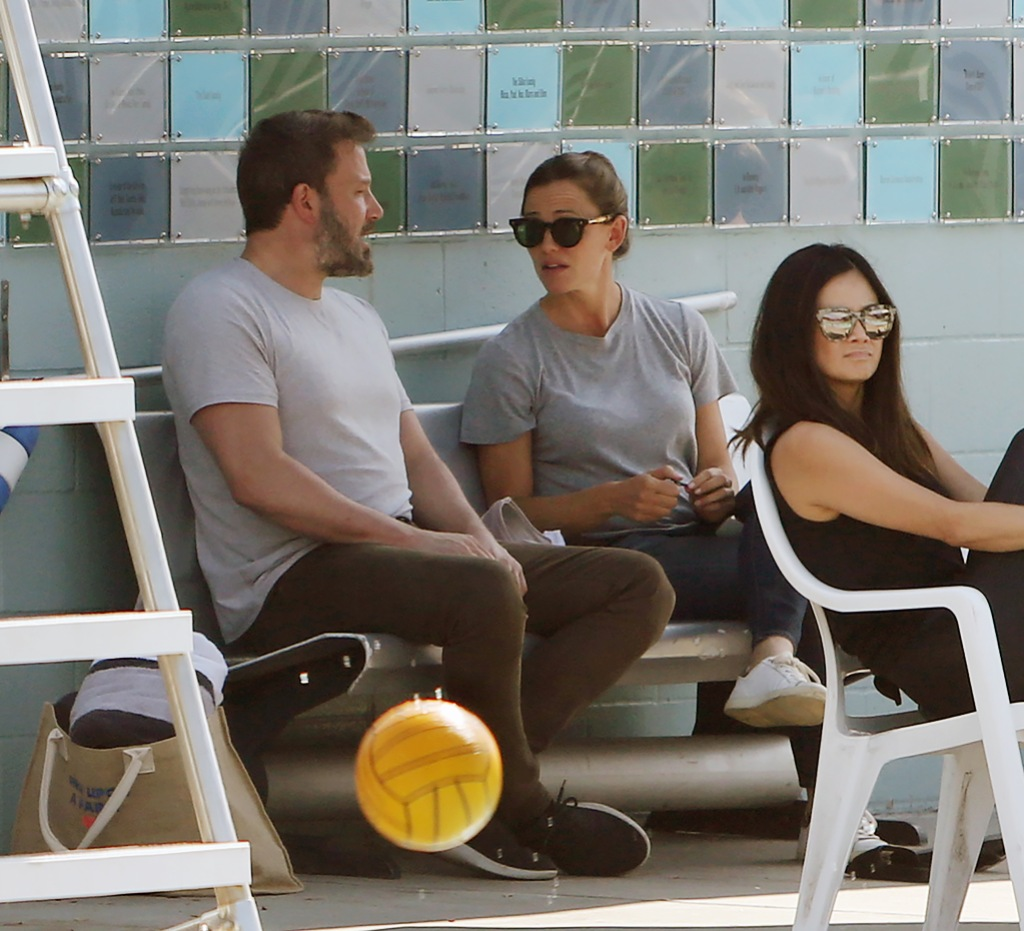 Ben Affleck Wearing a Gray T-Shirt With Jennifer Garner in a Gray T-Shirt by the Pool