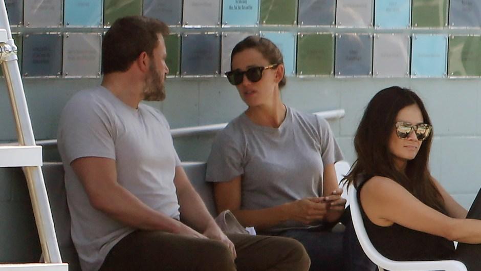 Ben Affleck Wearing a T-Shirt With Jennifer Garner in Sunglasses