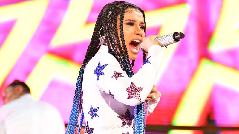 A Complete List of Winners (And Losers) From the 2019 VMAs — Updating Live!