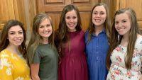 Lauren Seewald, Kendra Caldwell, Jessa Duggar, Anna Duggar and Joy-Anna Duggar Smile in Group Photo