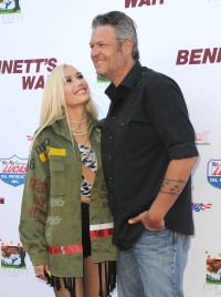 Gwen Stefani and Blake Shelton Show PDA at 'Bennett's War' Premiere
