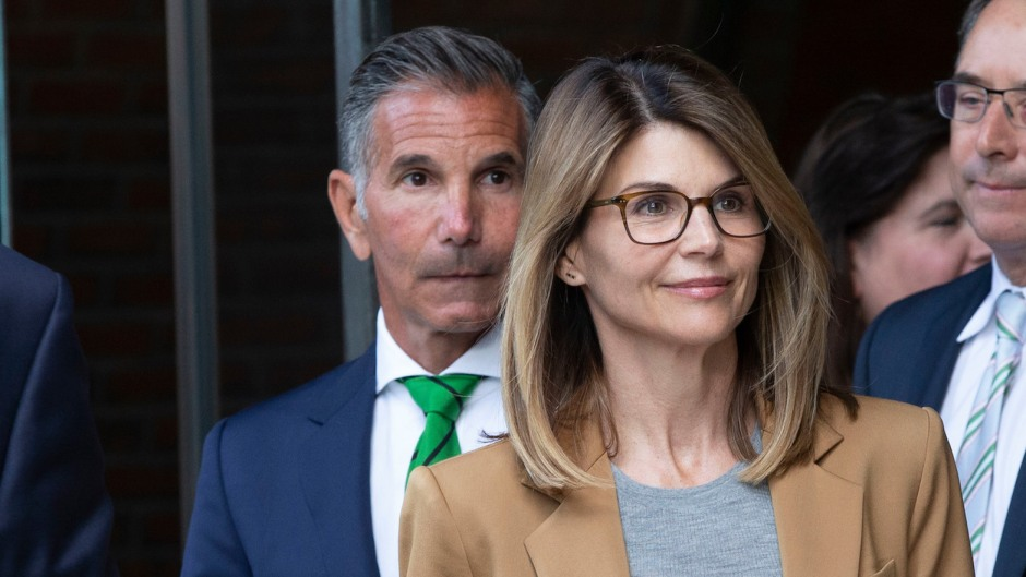 Lori Loughlin Wearing Glasses With Her Husband at Court