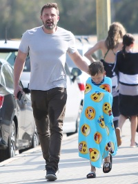Ben Affleck With His Son Wearing a Towel