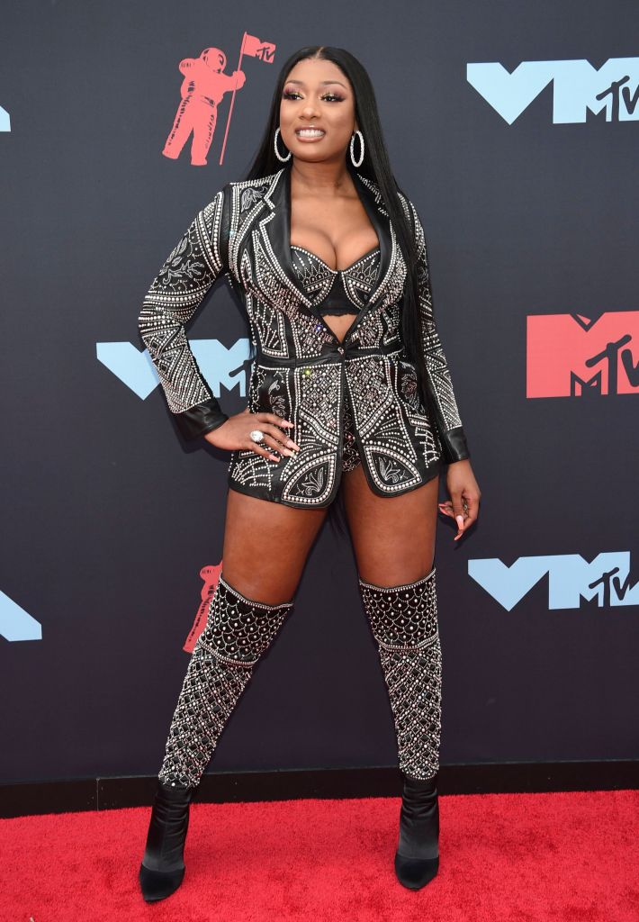 Megan Thee Stallion Suit With Jacket and Bra 2019 MTV VMAs red carpet