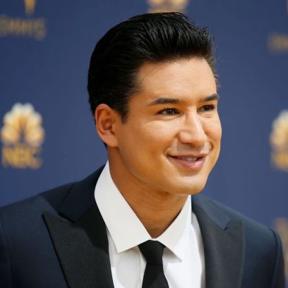 Mario Lopez Wearing a Suit at an Event