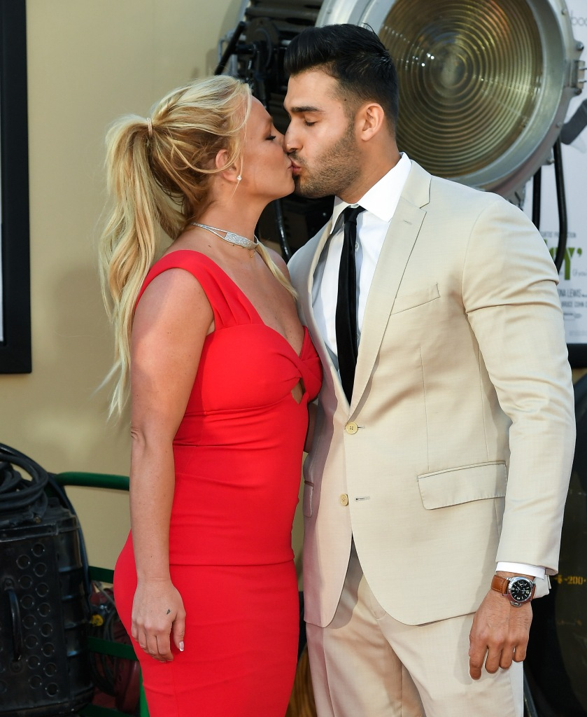 Britney Spears Wearing a Red Dress While Kissing BF Sam Asghari