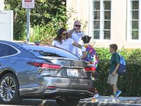 Jennifer Garner Wearing a White T-Shirt With Seraphina and Samuel