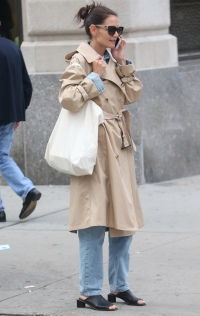 ~Fall Vibes!~ Katie Holmes Sports a Cute Trench Coat During NYC Stroll
