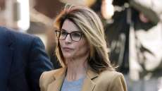 Lori Loughlin Friends Felicity Huffman Plea Deal