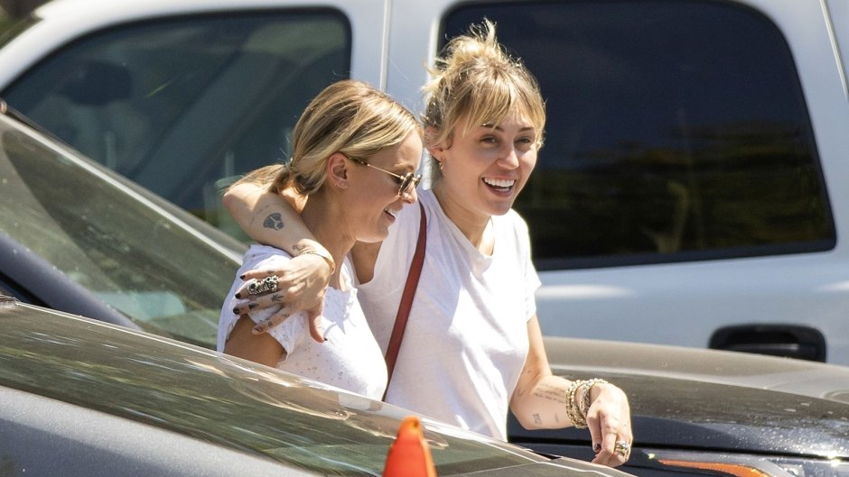 Miley-Cyrus-and-Kaitlynn-Carter-Arms-Around-Each-Other-02