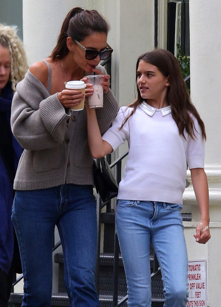 Katie Holmes Sips Coffee With Daughter Suri Cruise in NYC