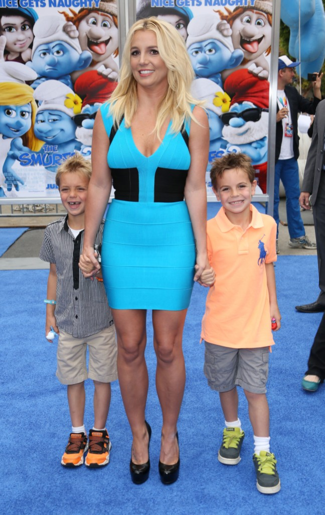 britney spears poses with her sons sean and jayden at the 'The Smurfs 2' film premiere, Los Angeles in July 2013