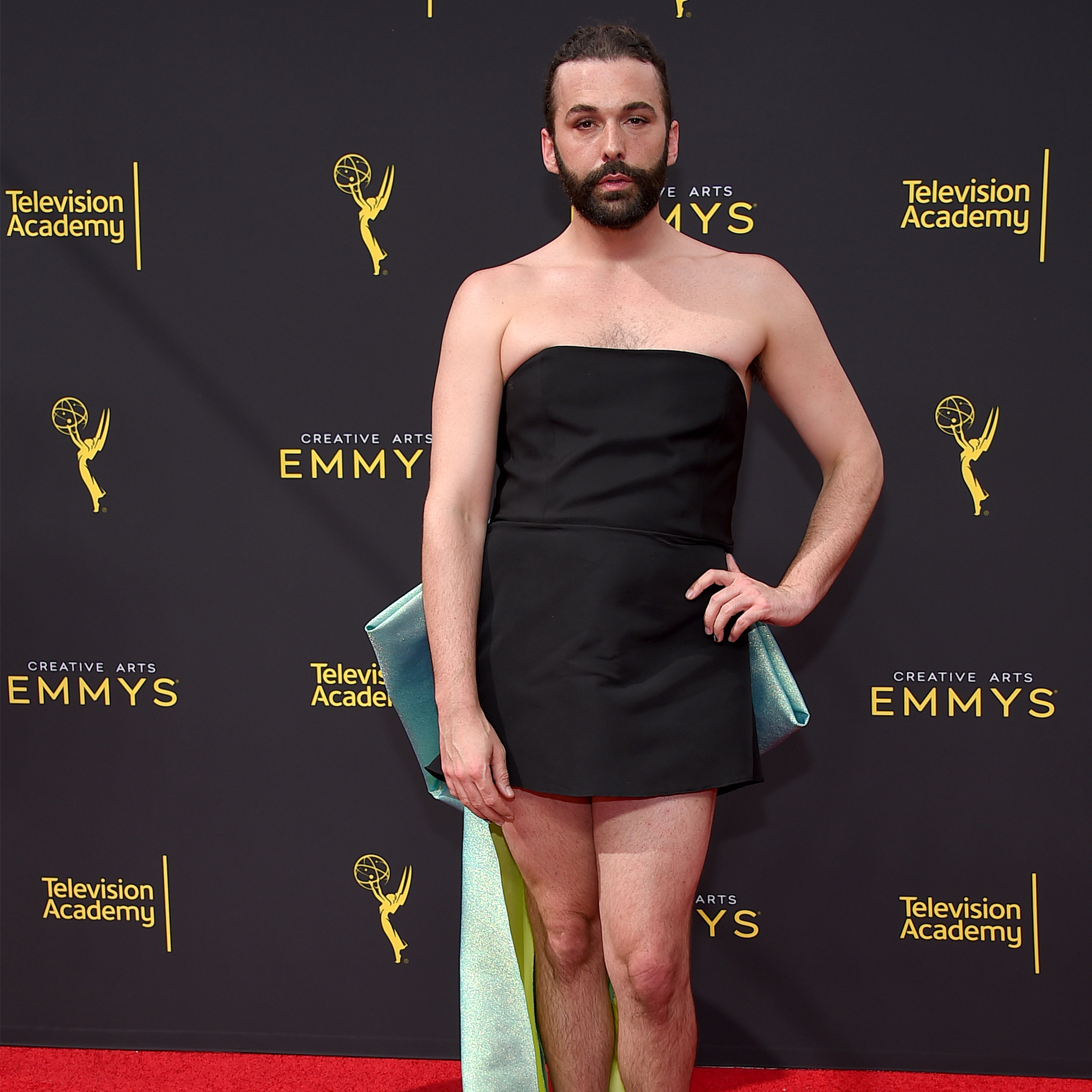 'Queer Eye' Star Jonathan Van Ness Reveals HIV-Positive Status: 'I Do Feel the Need to Talk About This'