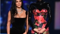 kim kardashian wears black gown and kendall jenner wears black and red gown onstage at the 2019 emmys did kim kardashian and kendall jenner get laughs at emmys 2019