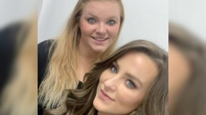 teen mom 2 star leah messer poses for cute selfie with her sister victoria teen mom 2 leah messer congratulates sister victoria on third pregnancy