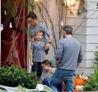 Ben Affleck Wearing a Gray Shirt With Jennifer Garner and His Kids