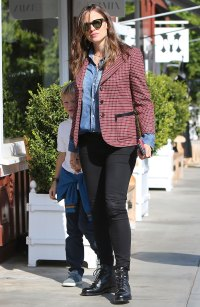 Fall Fashion! Jennifer Garner and Son Samuel Take a Stroll in L.A. Looking Super Stylish