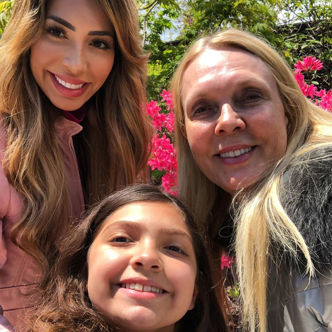 Farrah Abraham With Her Mom and Sophia