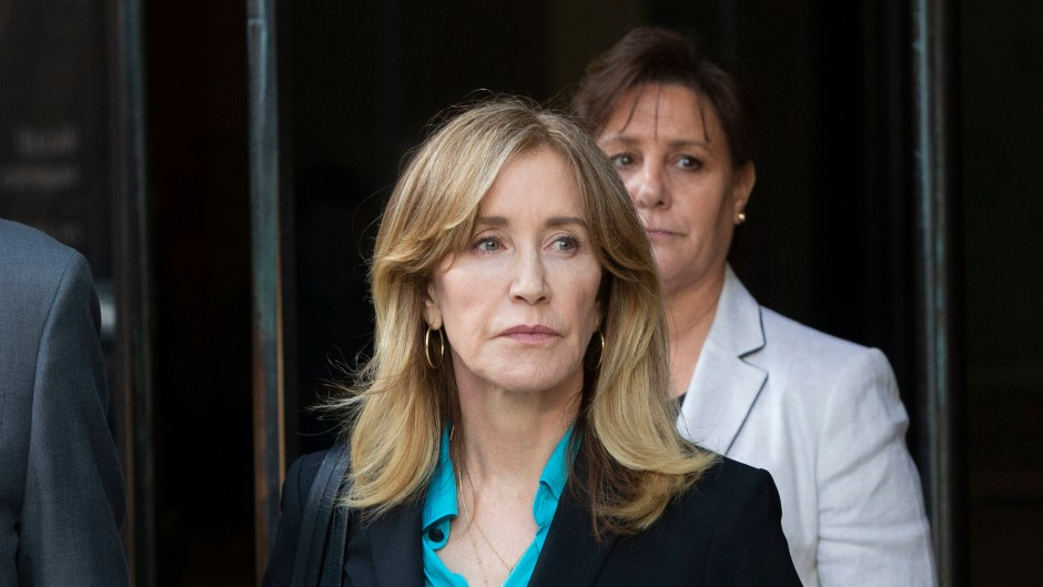 Felicity Huffman Walks Out of Court