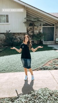Jana Duggar Smiles in Front of Brady Bunch House