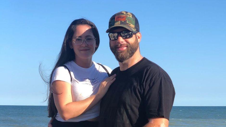 Jenelle Evans With David Eason o nthe Beach